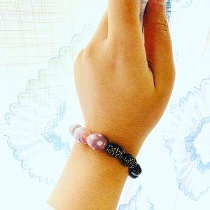 Jewelry - Beaded bracelets